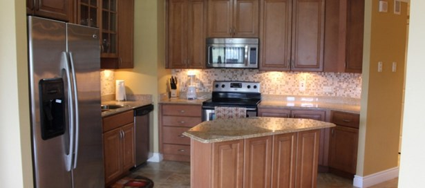 One Woodbrook Place 3 Bedroom for Rent (photo 2)