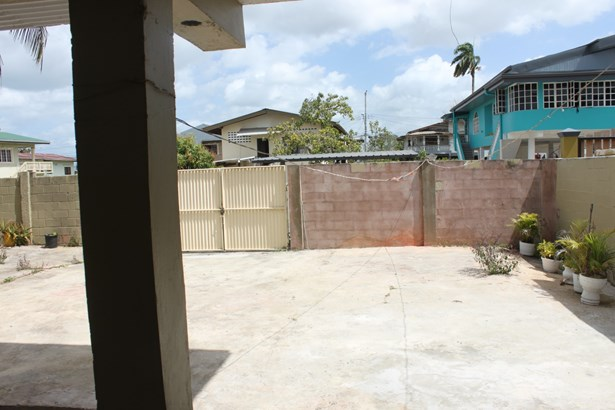 1 Bedroom Apartment for Rent located Conveniently on the Waterloo Main Road (photo 2)