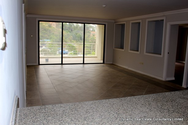 Falcon Heights Income Earner Unit (photo 2)