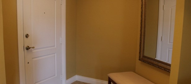 One Woodbrook Place 3 Bedroom for Rent (photo 4)