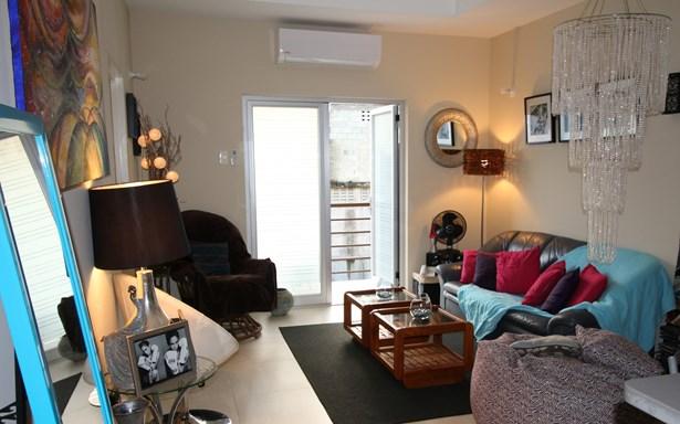 Queens Park East Apartment For Rent