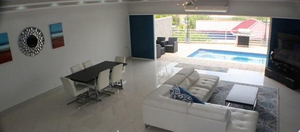Executive Townhouse For Rent San Fernando (photo 1)