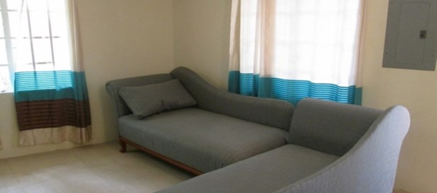 Apartment For Rent St. Anns (photo 2)