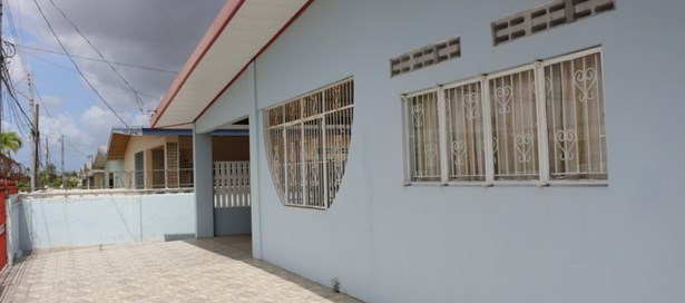 One Storey House For sale Arima (photo 4)