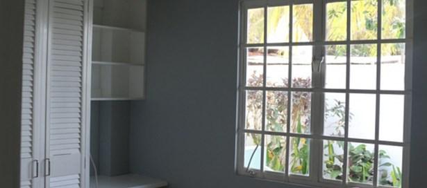 Apartment Building For sale St. James (photo 3)
