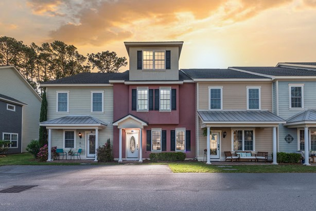 Townhouse, Two Story - Beaufort, SC