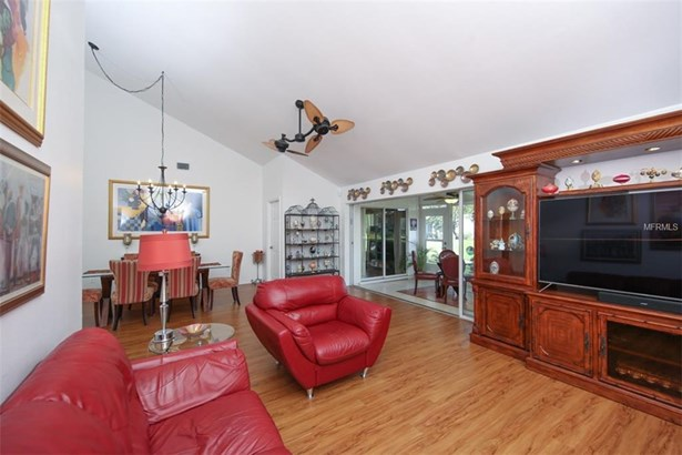 5332 Crestlake Blvd #144, Sarasota, FL - USA (photo 2)