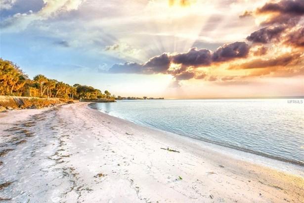 3975 Shell Rd N, Sarasota, FL - USA (photo 2)