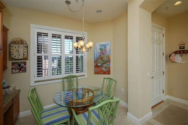 5221 Manorwood Dr #4c, Sarasota, FL - USA (photo 3)