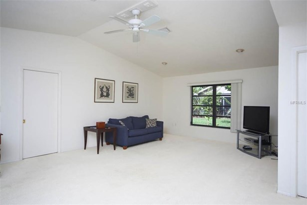 335 Ardenwood Dr, Englewood, FL - USA (photo 3)