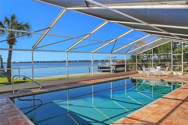 7798 Holiday Dr, Sarasota, FL - USA (photo 2)