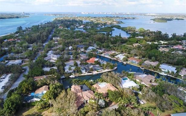619 Tremont St, Sarasota, FL - USA (photo 2)