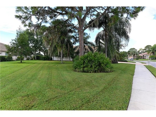 8753 Merion Ave, Sarasota, FL - USA (photo 2)