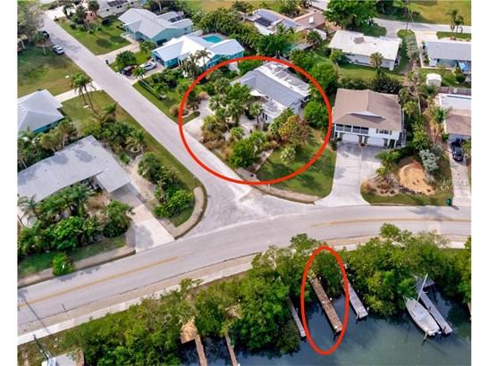 216 83rd St, Holmes Beach, FL - USA (photo 2)