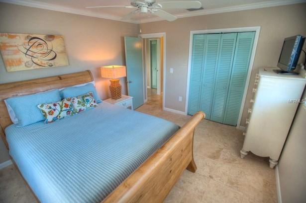 200 S Harbor Dr #1, Holmes Beach, FL - USA (photo 5)