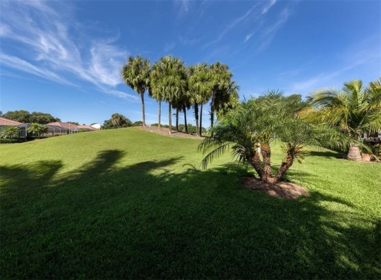 525 Fallbrook Dr, Venice, FL - USA (photo 2)