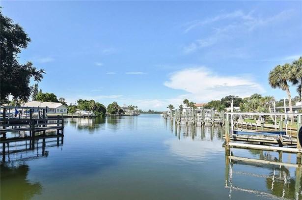 102 Lyons Bay Rd, Nokomis, FL - USA (photo 4)