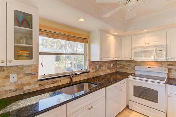 600 Manatee Ave #224, Holmes Beach, FL - USA (photo 5)