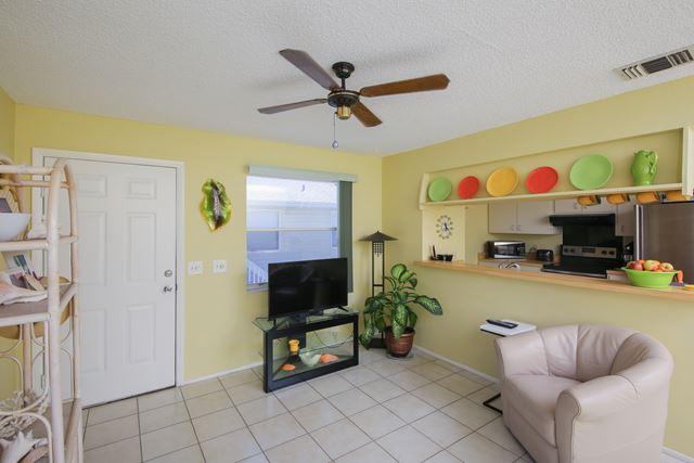 207 71st St, Unit E, Holmes Beach, FL - USA (photo 4)