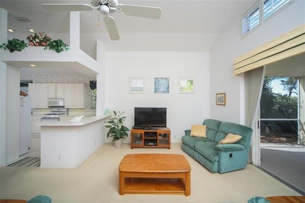 6525 Berkshire Pl, University Park, FL - USA (photo 3)