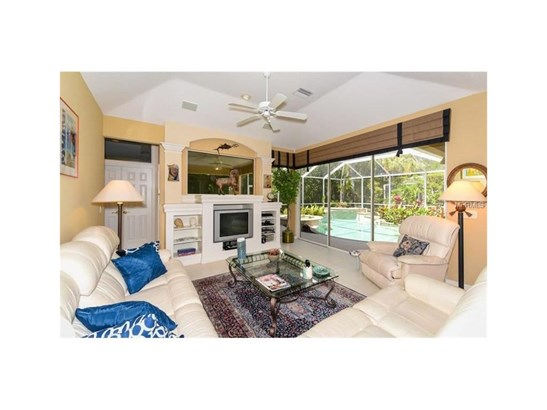 6910 Treymore Ct, Sarasota, FL - USA (photo 4)