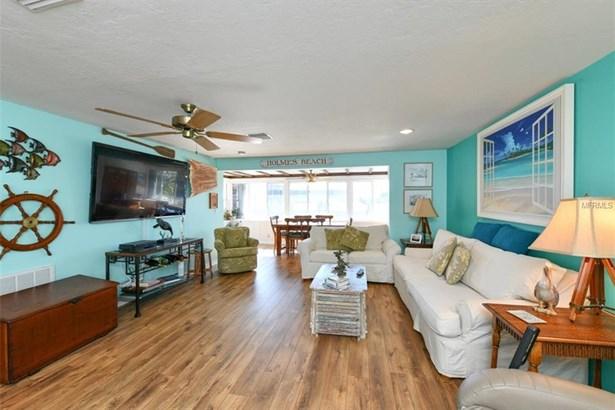 509 Bayview Dr, Holmes Beach, FL - USA (photo 4)