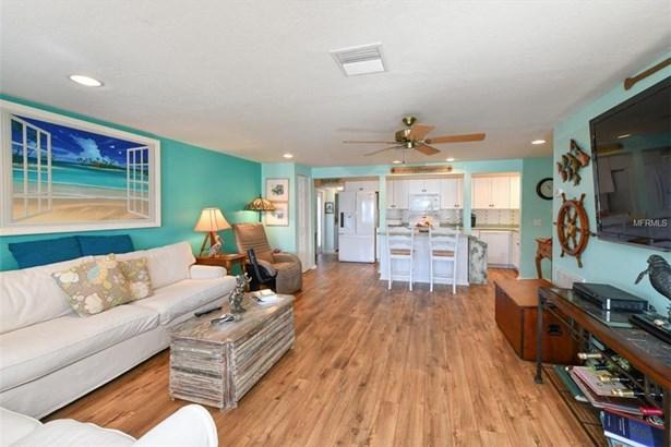 509 Bayview Dr, Holmes Beach, FL - USA (photo 5)