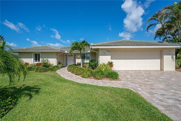 7692 Cove Ter, Sarasota, FL - USA (photo 2)