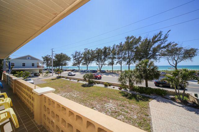 1003 Gulf Dr S, Unit #4, Bradenton Beach, FL - USA (photo 3)