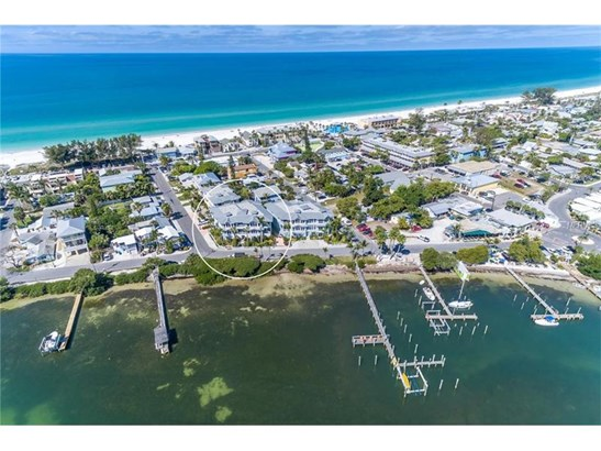 318 Bay Dr S #7, Bradenton Beach, FL - USA (photo 1)