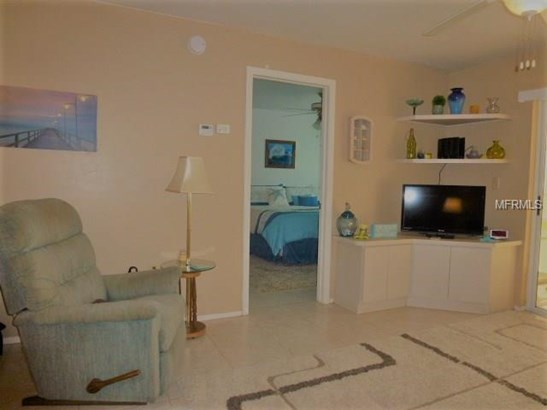 12538 Kingsway Cir #1503, Lake Suzy, FL - USA (photo 5)