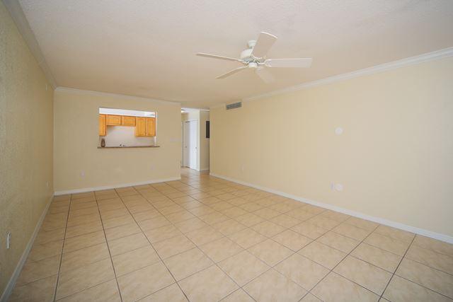 972 La Costa Cir, Unit #2, Sarasota, FL - USA (photo 4)