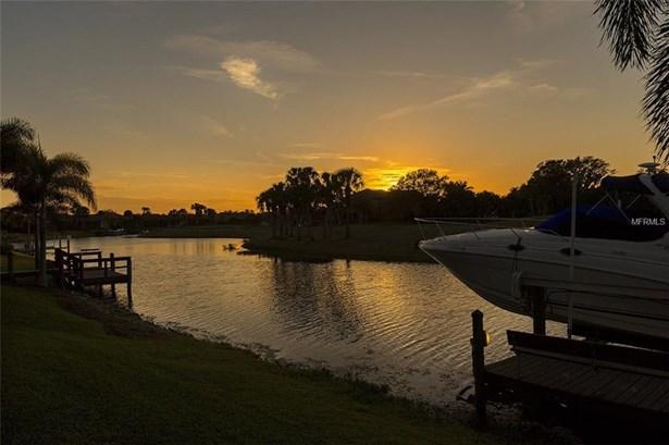 1020 Rainbow Ct, Bradenton, FL - USA (photo 2)