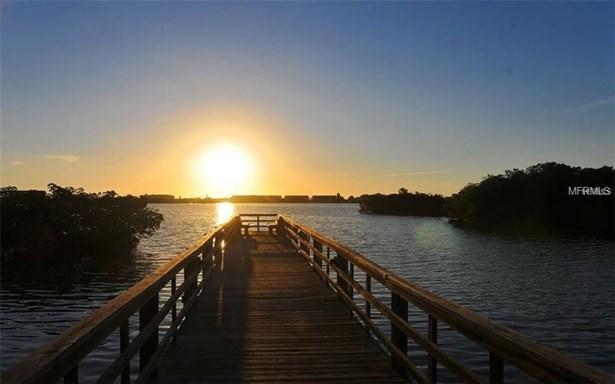 8823 Fishermens Bay Dr, Sarasota, FL - USA (photo 4)