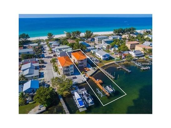 110 7th St S, Bradenton Beach, FL - USA (photo 1)