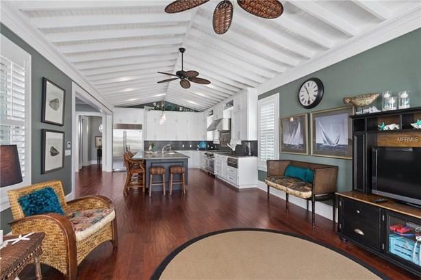 528 72nd St, Holmes Beach, FL - USA (photo 4)