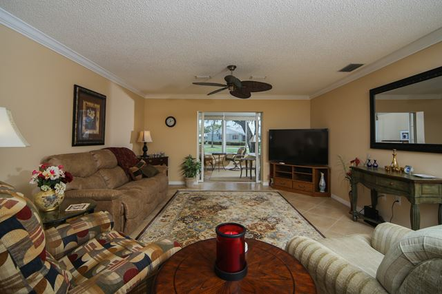 2723 Golf Course Dr, Unit #201, Sarasota, FL - USA (photo 3)