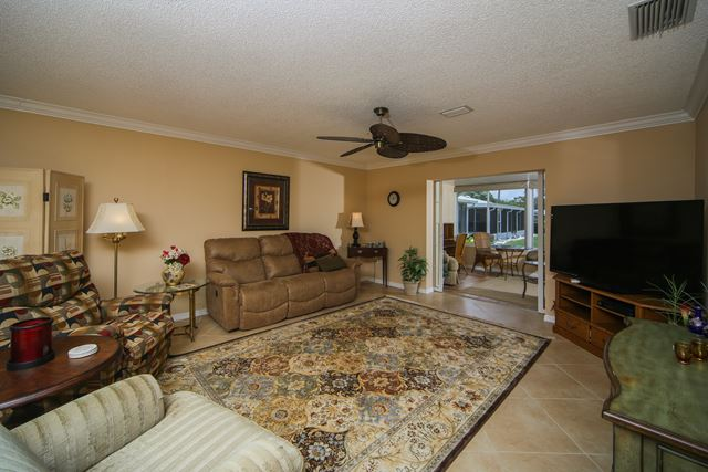 2723 Golf Course Dr, Unit #201, Sarasota, FL - USA (photo 4)