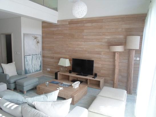 Lounge (photo 2)