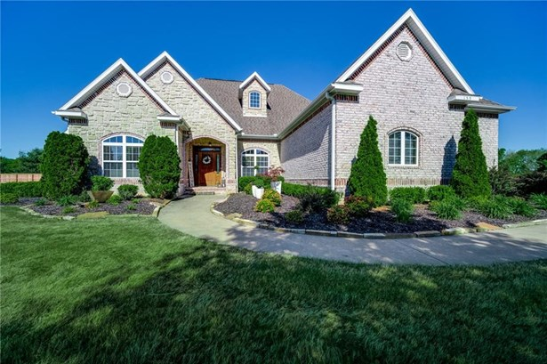 House, European - Fayetteville, AR