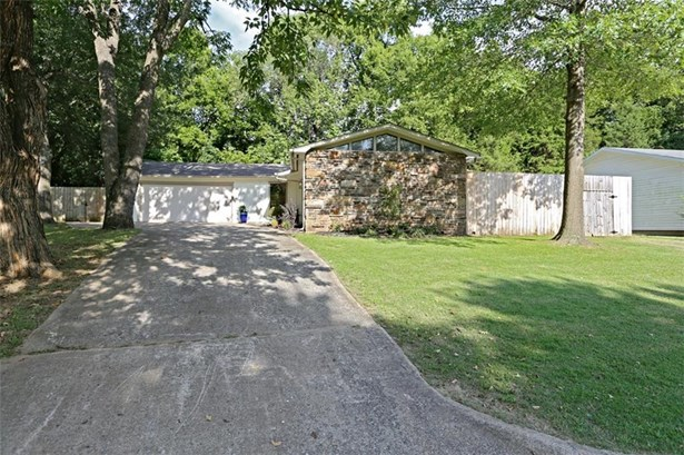 1810 Overcrest  St , Fayetteville, AR - USA (photo 3)