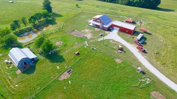 Farmhouse, House - Gentry, AR (photo 2)