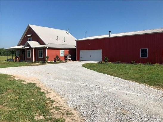 Farmhouse, House - Gentry, AR (photo 3)