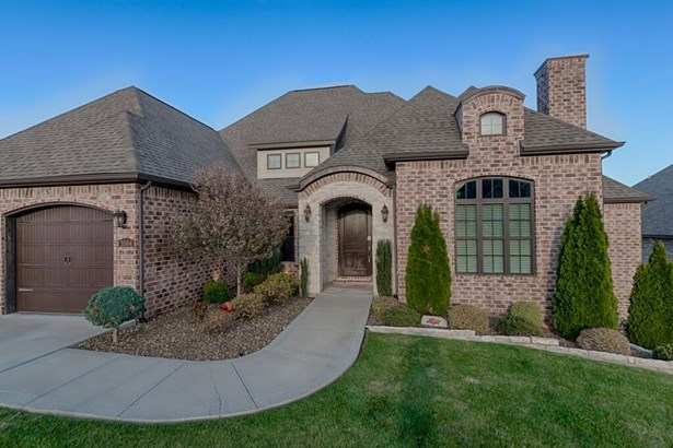 House, European - Bentonville, AR (photo 2)