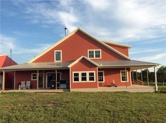 Farmhouse, House - Gentry, AR (photo 4)