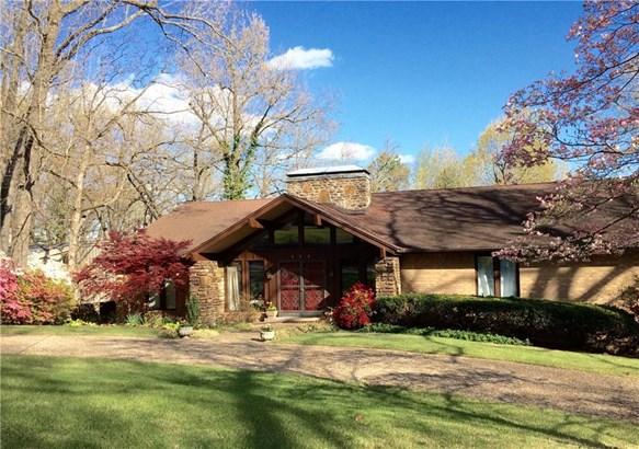Contemporary, House - Springdale, AR (photo 2)