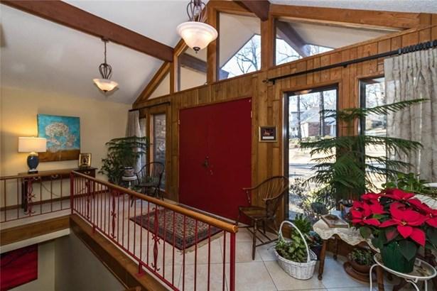 Contemporary, House - Springdale, AR (photo 3)
