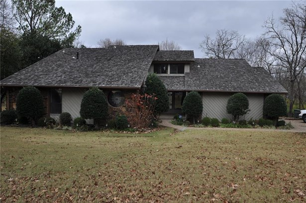 Traditional, House - Fayetteville, AR (photo 1)
