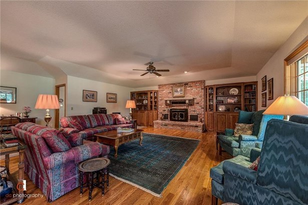 Traditional, House - Bella Vista, AR (photo 4)