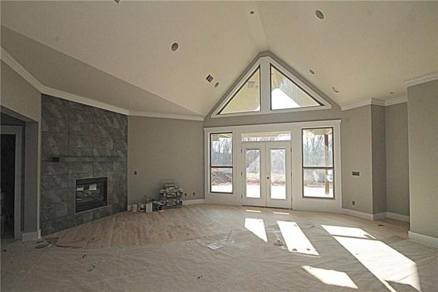 Traditional, House - Bentonville, AR (photo 3)